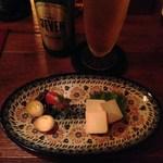 29508039 - H26.7再々 燻製ウズラの玉子と味噌漬けクリームチーズ