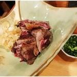 29510482 - 本鮪ホホ肉レア・ステーキ 980円 すばらしい美味さ!これで980円は安すぎです♪