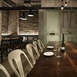 カフェ&ブックス ビブリオテーク - デートや女子会に。本格的なビストロフレンチとおしゃれな雰囲気をお楽しみください。