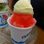 タバタヤ菓子舗 - いちごアイスのせ