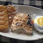 タバタヤ菓子舗 - しょうゆもち、鬼瓦モナカ、恵味