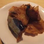ン・オリジナルカレー - ランチセットについてくるじゃがいもと茄子のカレー味のもの