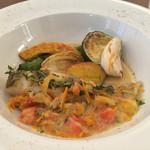 ラディーチェ - 白身魚のポアレ 魚介スープ仕立て