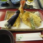 おおひら - 「天ぷら盛合せ」