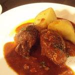 galerie+wine cafe TURM - 和牛ほほ肉の煮込み