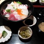 創和ダイニング 寛 - 10種の海鮮丼-1000円 (2011.5)