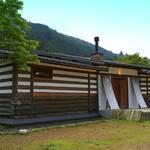 29529124 - 「小来川・山帰来プロジェクト」により建てられた『そば処小来川・山帰来』