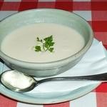 ピッツェリア ラ・ロカンダ・デル・ピットーレ - ピュアホワイトの冷製スープ