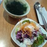 けやき - ランチのサラダとスープ