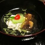 懐石料理かこむら - 椀物(松茸と鱧)