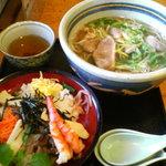 蕎麦匠雀 - ちらし寿司(500円)と鴨なん蕎麦(980円)