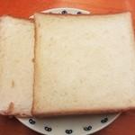 29540020 - 石窯食パン(ハーフ)¥155