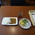 Kusshinakopan - プチビュッフェランチ(1,000円)のカレーライスとサラダ