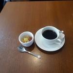 Kusshinakopan - プチビュッフェランチ(1,000円)につくコーヒーとフルーツポンチ