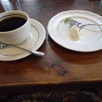 Shirakabekurabu - デザートは食べかけ!