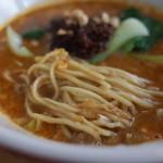 マンボ飯店 - マンボ飯店の坦々麺の麺(14.08)
