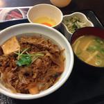 なか卯 - 牛すき丼並350円、たまごセット150円