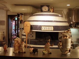 ピッツェリアブラチェリア チェザリ - ナポリ生まれの薪窯