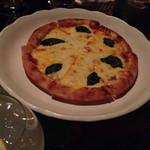 LB - マルゲリータピザ