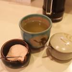 丸和 - お茶に塩