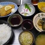 居酒屋いし川 - 料理写真:定食800円(税込)