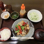 29563595 - ★お野菜たっぷり 鶏の黒酢南蛮定食¥830(税抜)
