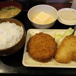 奉天軒 - アジフライとメンチカツ定食