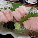 大間新栄丸 - とろ定食のマグロ