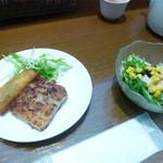 糖朝 - ミニサラダと大根餅