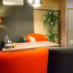 YAKITORI kitchen彩 - 焼き鳥屋とは思えないオッサレーな空間。