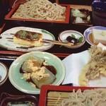 29570543 - 豆腐田楽蕎麦御膳(画面奥)