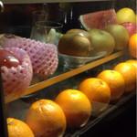 Bar K6 - 新鮮なフルーツでカクテルを