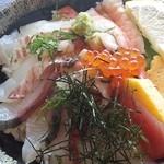 29573911 - 海鮮丼アップです。