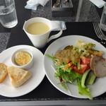 29576180 - サラダ、オードブル、パン、スープなど(ビュッフェ)