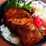 港北パーキングエリア(下り線)レストラン - ハーフメカジキ丼