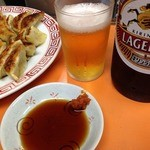 29581383 - ビールと焼餃子