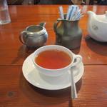 ブンブン紅茶店 - 2014年 ダージリン セカンドフラッシュ グームティー茶園