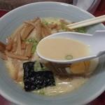 ラーメン屋 - マイルドな豚骨スープ