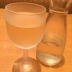 サイゼリヤ - 白ワインデカンタ(250ml)