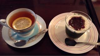 シルバード洋菓子店 - レモン茶&抹茶ムースは500円也(内税)