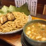 つけ麺紫匠乃  - つけ麺 特盛 海苔とチャーシュートッピング