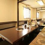 みやもとファーム - テーブル席とお座敷があり、お座敷は掘りごたつ式で足が伸ばせます♪