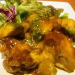 とさか - 若鶏とアボカドのオイマヨp炒め