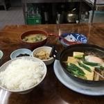 金時食堂 - 肉豆腐定食720円の全景