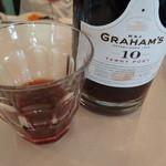 フルーツパーラー附木屋 - 甘くて美味しいグラハムのポートワイン