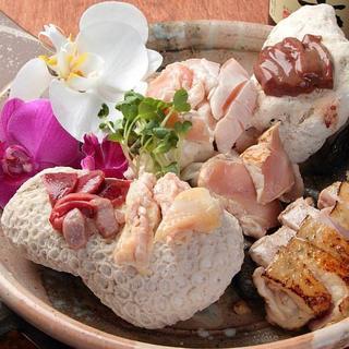 全国の銘柄鶏のお造り盛り合わせは当店の自慢の料理です