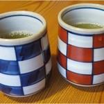 海山亭いっちょう - お茶、お水はセルフサービス
