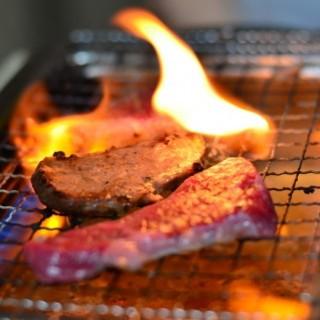 お肉料理にがっつりかぶりついてください!