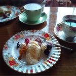 ななえ駅前珈琲店 - パンプキンケーキとコーヒーセット
