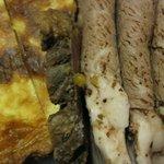 ペルドマーニ - ポルチーニ茸とチーズのキッシュ&イベリコ豚のアリスタ(ガーリックとハーブ風味のロースト)